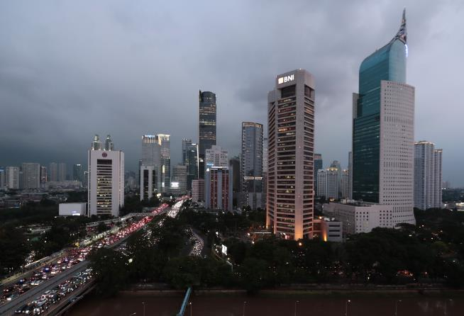 Indonesia plans to move capital due to overcrowding in Jakarta