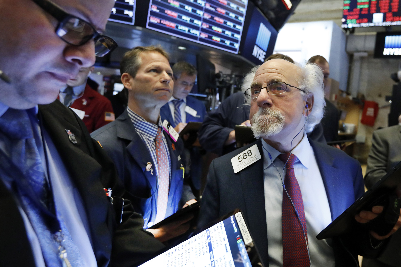 US Stocks Close Lower