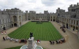 from Cohen sex on queen s lawn at windsor castle