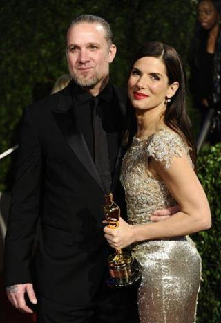 Jesse james and sandra bullock having sex