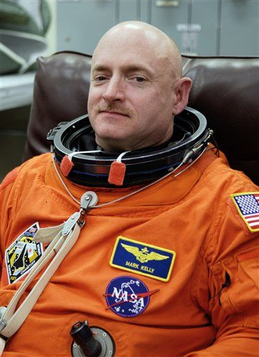 Inside Giffords' Marriage to Astronaut Mark Kelly