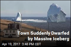 Iceberg Moves to Small Town, Brings Tourists With It