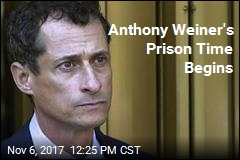 Anthony Weiner Reports to Prison