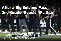2nd-Graders Comfort Eagles Player Who Dropped Pass