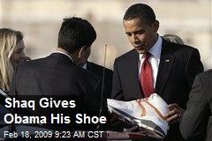 Shaq Gives Obama His Shoe