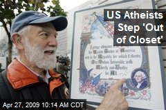 US Atheists Step 'Out of Closet'
