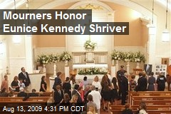 Mourners Honor Eunice Kennedy Shriver