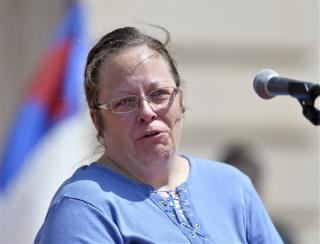 Ky. Clerk Defies SCOTUS, Still Won't Issue Licenses