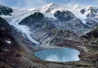 Stunning Photos Show How Glaciers Are Melting