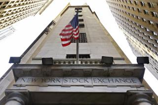 Stocks Rise With Banks, Automakers