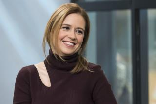 Jenna Fischer Sorry for Tweet on Tax Bill