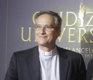 'Lettergate' Takes Down Vatican Media Chief