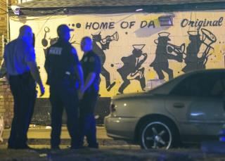 Gunmen Kill 3, Wound 7 Outside New Orleans Strip Mall