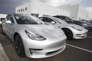 Consumer Reports Pulls Back 'Recommended' Status From Tesla