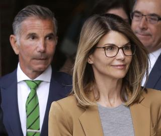 Lori Loughlin, Husband Want to See Evidence Against Them