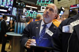 Markets Mixed, but Dow Keeps Streak Alive