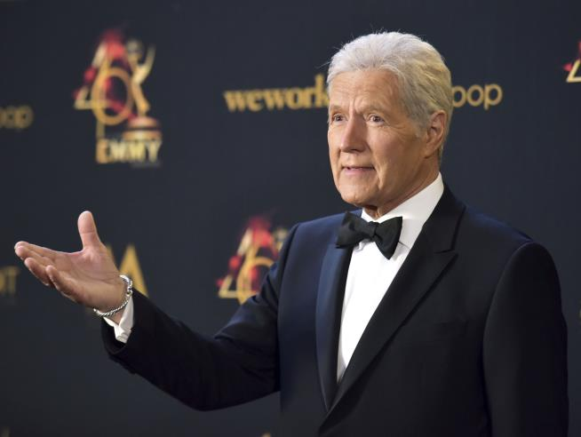 Jeopardy! Honors Alex Trebek on Last Show