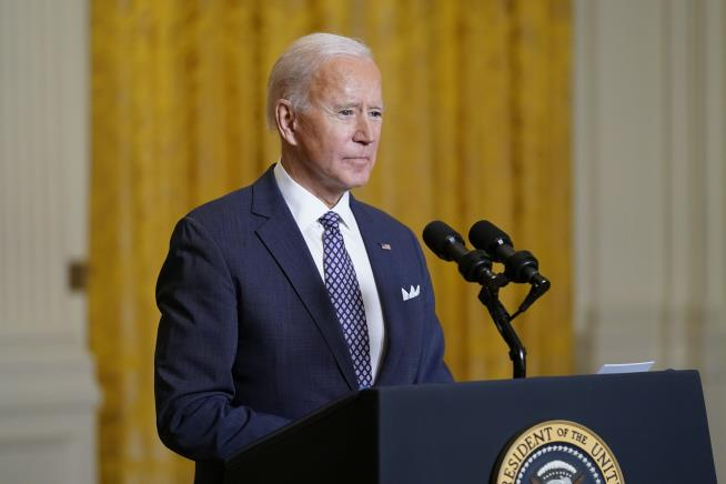 Biden to Hold Moment of Silence as US Nears 500K Deaths