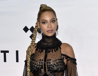 Beyoncé Makes Grammys History, Multiple Times