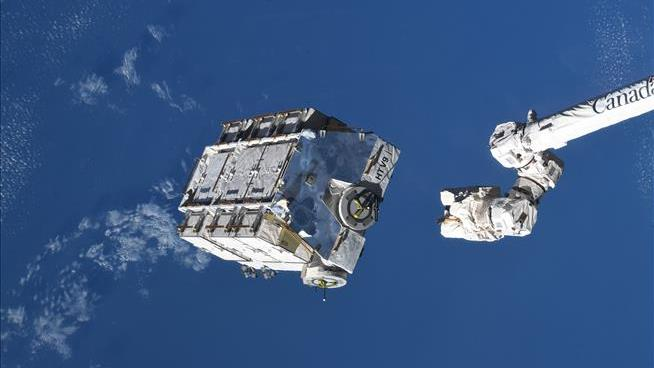 Space Station Rids Itself of 2.9 Tons of Trash