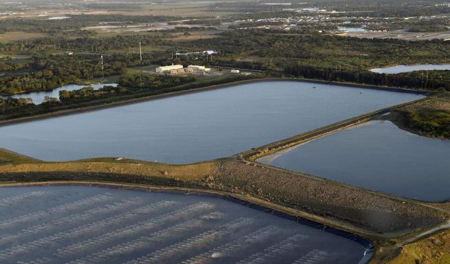 Florida Wastewater Pond Emergency Threatens '20-Foot Wall of Water'