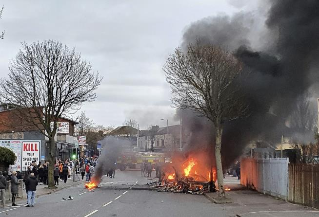 55 Cops Hurt in Northern Ireland Unrest