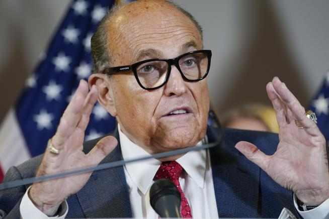 How Major News Outlets Got a Rudy Giuliani Story Wrong