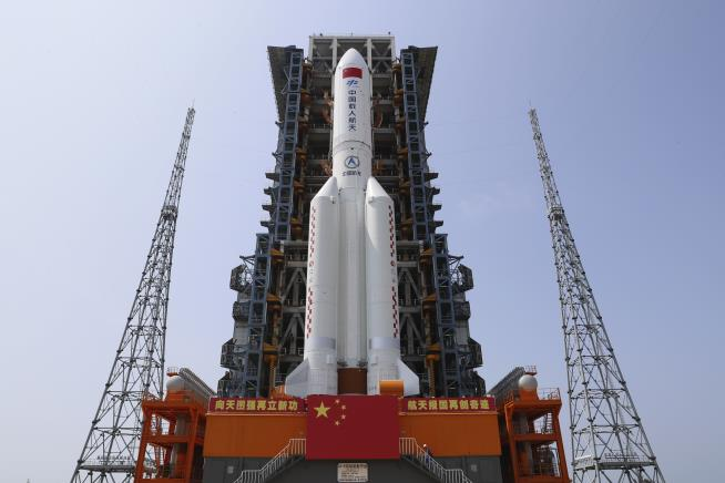 China's Rocket Debris Set for Uncontrolled Re-Entry