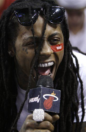 Lil Wayne S Teeth Too Much Bling For Prison