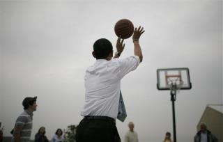 President Obama Picks Kansas to Win the NCAA Tournament
