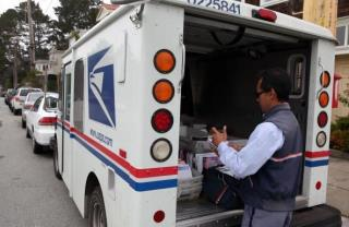 USPS Halts 600 Urban Closings | Newser Mobile