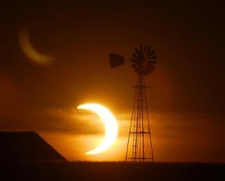 'Ring of Fire' Eclipse Wows