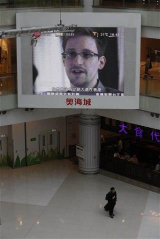 Washington Post: Stop Snowden From Leaking to Us