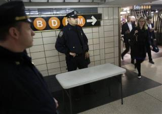 Man Electrocuted on NYC Subway Tracks