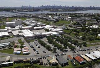 What It's Like to Visit Rikers Island | Newser Mobile