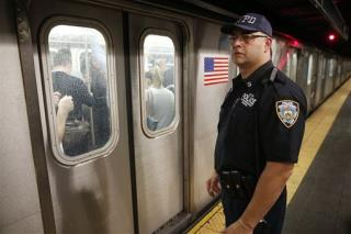 NYC Subway Nightmare: Man Shoved to His Death | Newser Mobile
