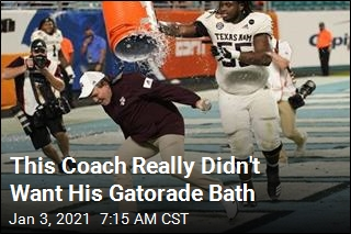 This Coach Really Didn't Want His Gatorade Bath